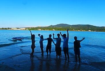 那覇市から近い好立地でサップ体験ツアー!プライベートツアーで楽しもう!